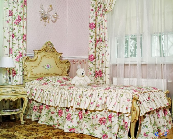 furniture_in_Baroque_style_in_77